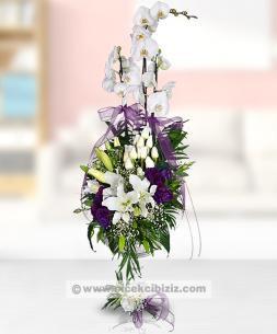 https://www.cicekcibiziz.com//img/product/m/3-dal-orkideli-vip-aranjman-8Z.jpg