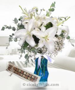 https://www.cicekcibiziz.com//img/product/m/beyaz-lilyum-ile-benim-icin-degerlisin-A7.jpg