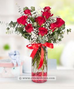 https://www.cicekcibiziz.com//img/product/m/romantik-asik-9-kirmizi-gul-L3.jpg